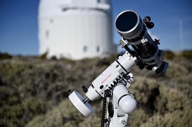 Telescope outdoors