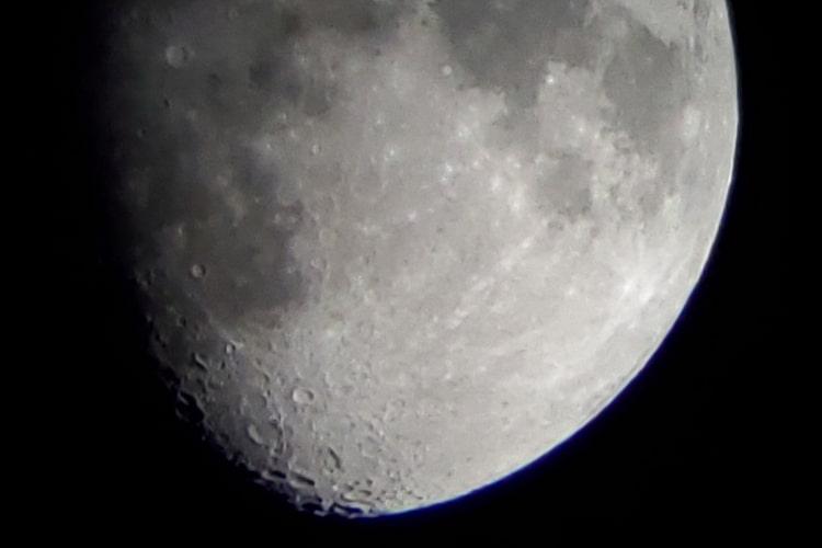 Celestron Travel Scope 80 - Moon 2